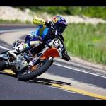 オリンピックのコースをバイクで走る 命がけの動画