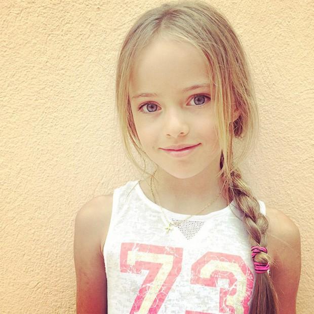 Kristina-Pimenova-le-jeune-top-de-9-ans-qui-cree-la-controverse_visuel_article2